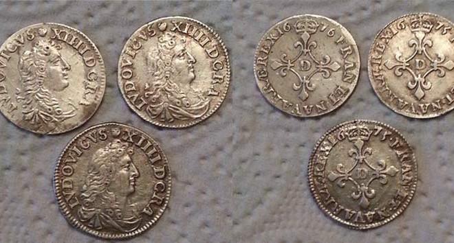 3 pièces de type 4 Sols au traitants en argent de Louis XIV trouvées par Damien et son Teknetics T2